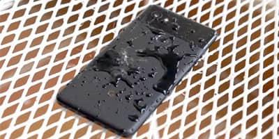 Thổi nước khỏi loa điện thoại 3